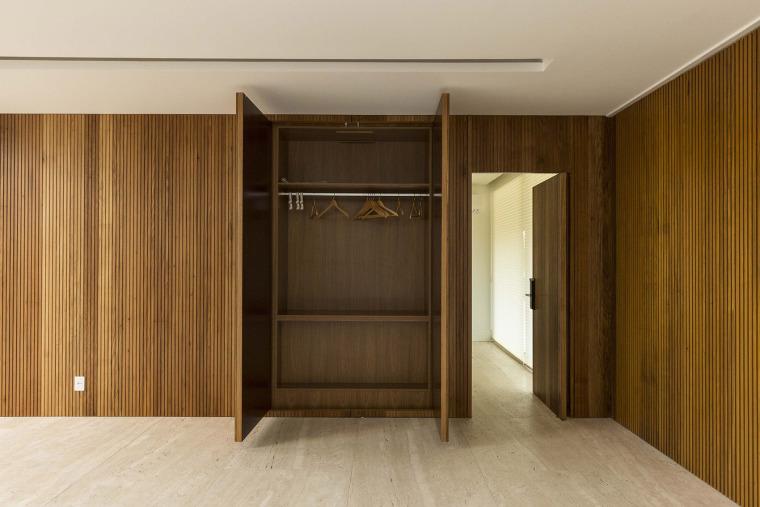 结构与空间融合的JardimdoSol住宅-26