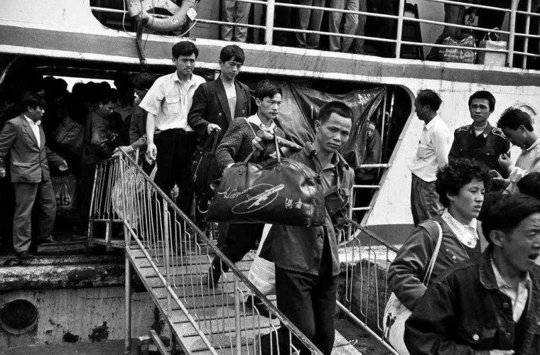 回顾历史:30年前海南房地产的兴起与破灭_2