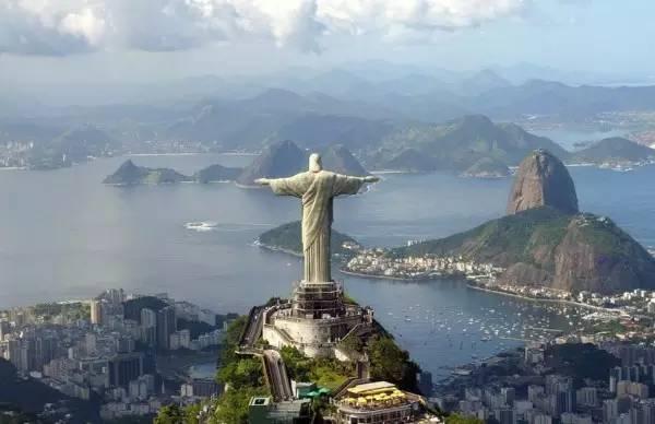 全球50个地标性建筑,认识10个就算你合格!-救世主基督耶稣像(巴西·里约热内卢).jpg