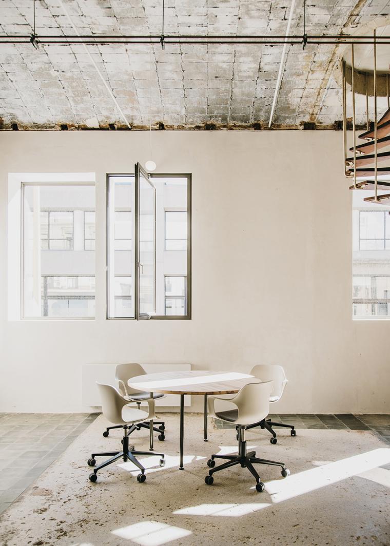 仓库建筑的古典风格Montoya办公楼-16