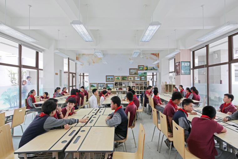 上海德富路初中学校-21