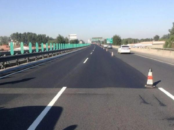 高速公路沥青路面早期病害养护对策