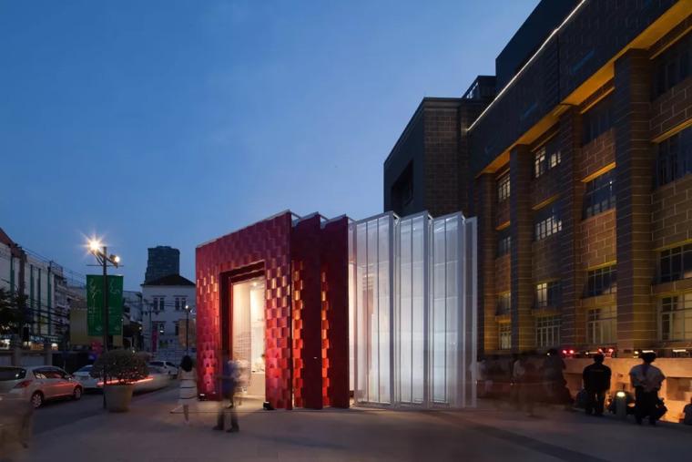 曼谷设计周展亭,再利用材料可变身包包和椅子/Cloud-floor_15