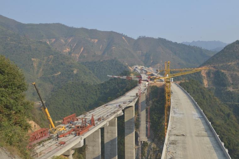 高速公路路面工程标准化管理汇报材料(93页)