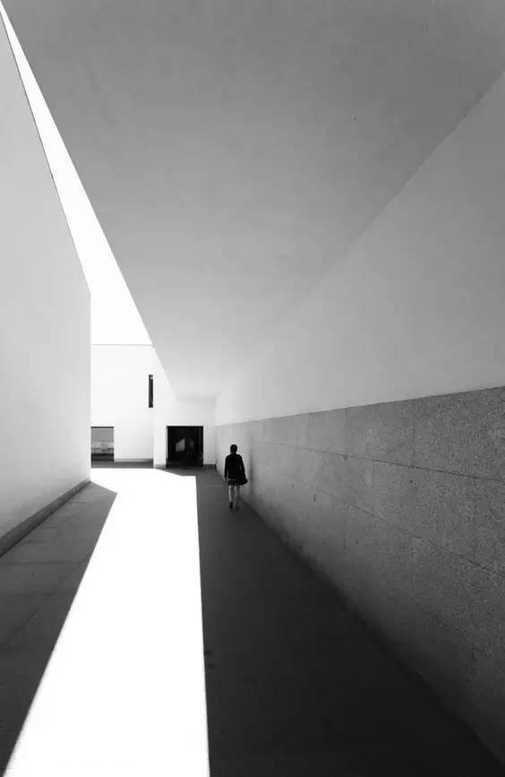 人与建筑,一首无言的诗。_3