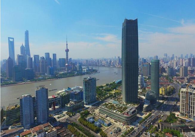 """上海""""浦西第一高楼""""白玉兰广场竣工建成"""