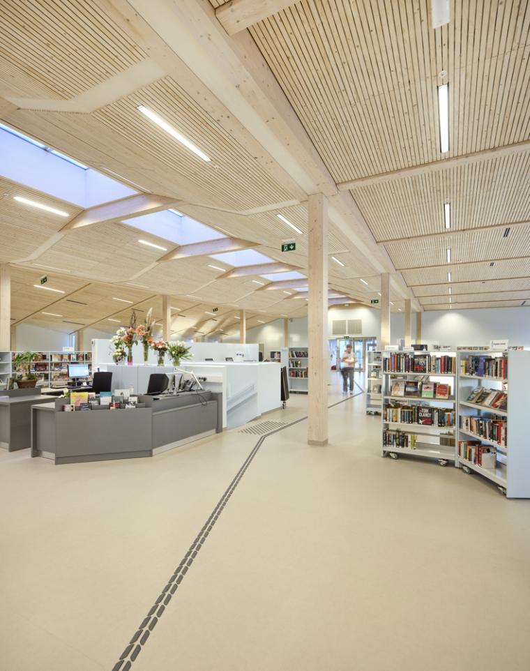 挪威格里姆斯塔德图书馆-11