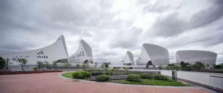 """设计灵感来自""""花瓣""""的——福州海峡文化艺术中心"""
