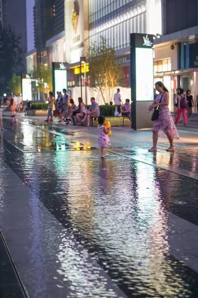 一个单词产生的设计灵感,结果火了北京的商业广场~_61
