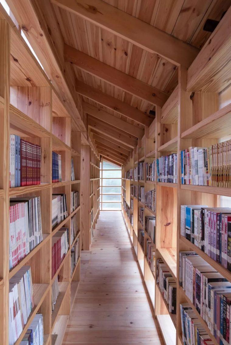 """他们在大山深处建造了一个""""悬浮""""书屋,凝聚起逐渐消逝的乡情_31"""
