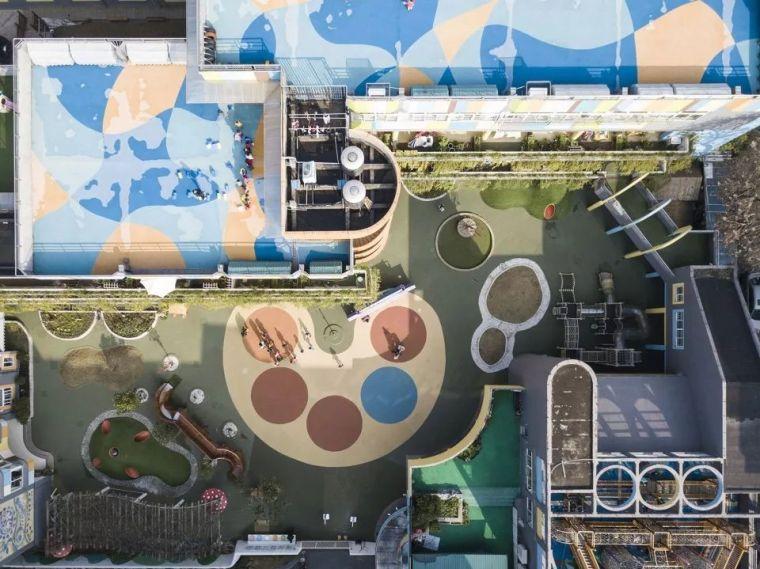 调色盘般的集会区域和山坡游戏场地