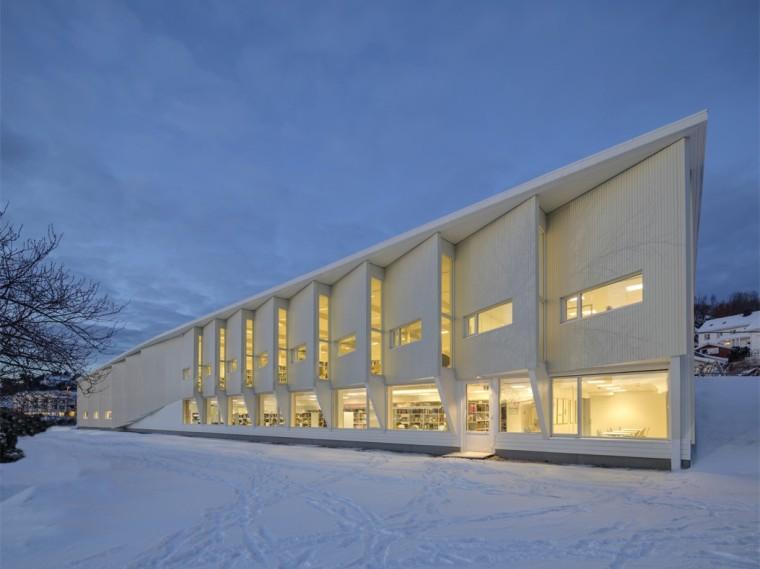 挪威格里姆斯塔德图书馆-1