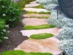 花草与石板的关系 • 花园小径