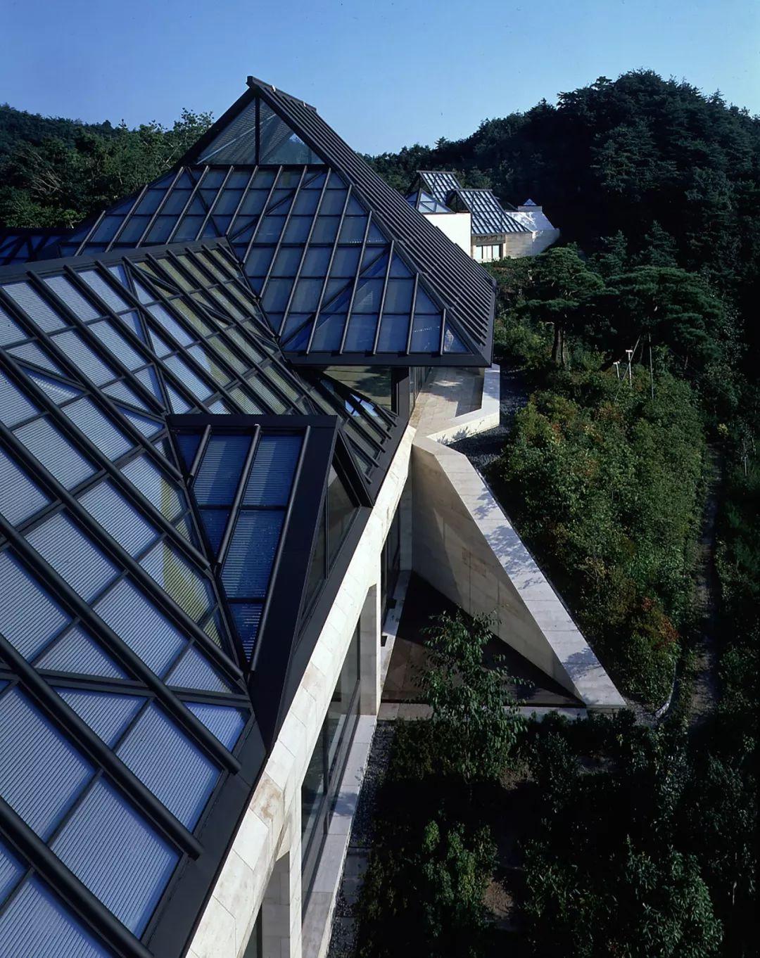 致敬贝聿铭:世界上最会用「三角形」的建筑大师_65