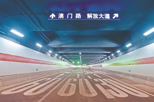 武汉长江公铁隧道静待通车 肩挑公路地铁手牵武昌汉口