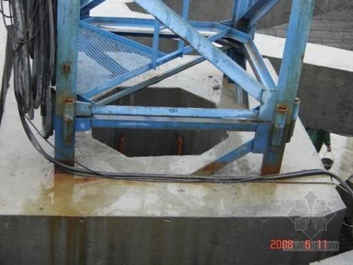 回字型钢格构柱塔机基础施工工法