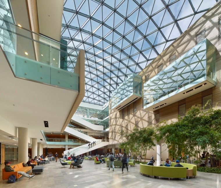 劳里埃大学拉扎里迪斯大楼内部实景图 (6)