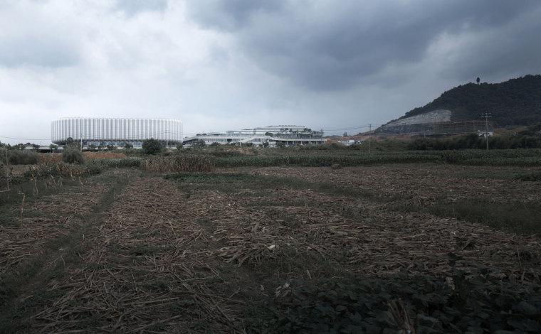 临安半透明轻盈的体育文化会展中心外部实景图 (7)