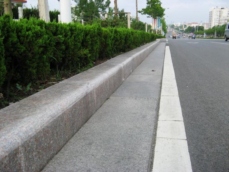 市政道路路缘石施工技术要点