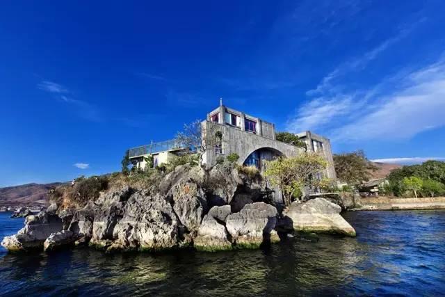 杨丽萍洱海边两处豪宅,美哭了....._9