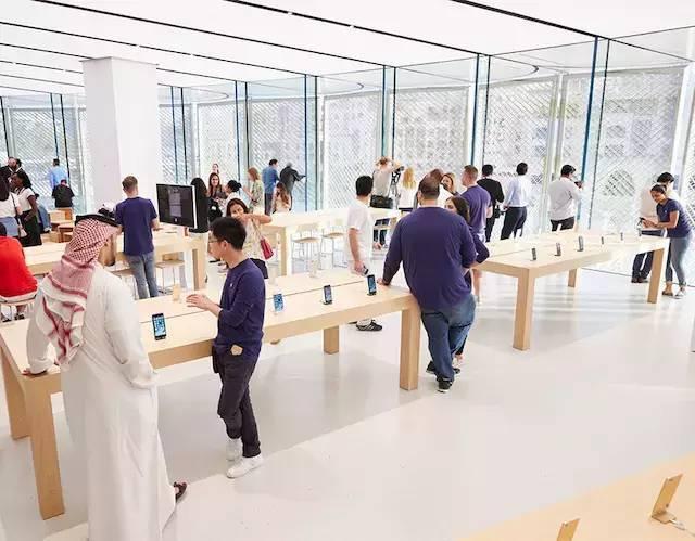 """苹果最新米兰旗舰店设计,被誉为""""欧洲最美苹果店""""_31"""