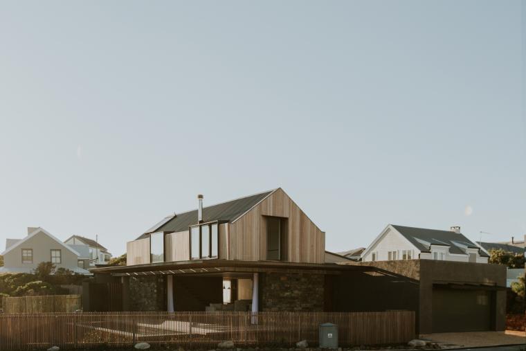 南非海岸线传统的独户家庭住宅-5