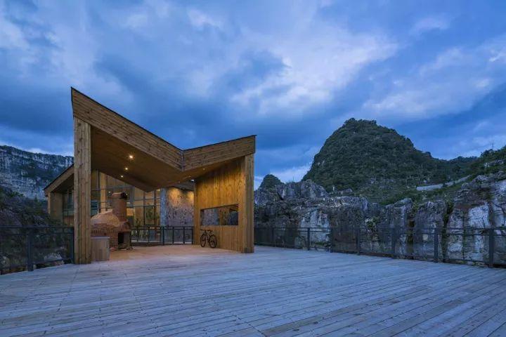 中国第一个百米崖壁上的美术馆!_28