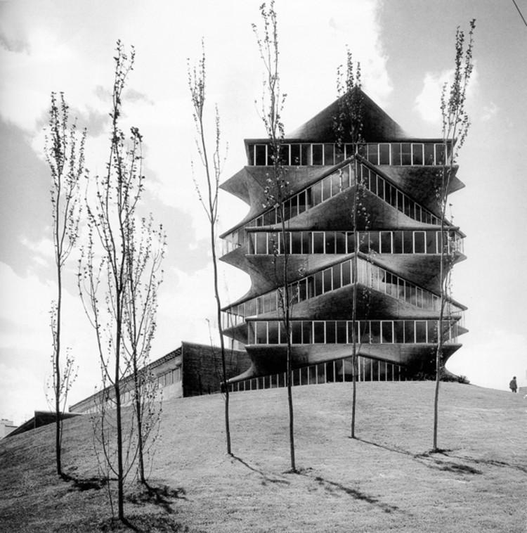 经典建筑:霍尔瓦实验大楼宝塔_1