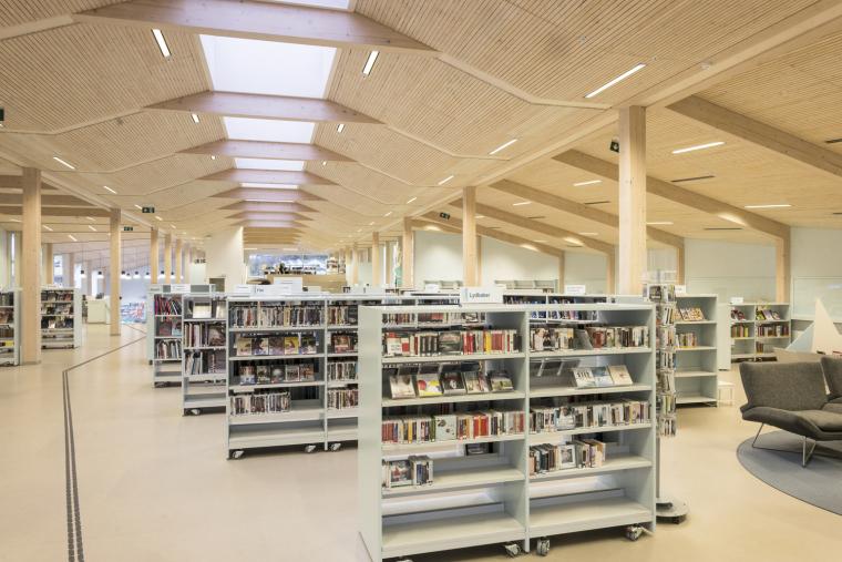 挪威格里姆斯塔德图书馆-8