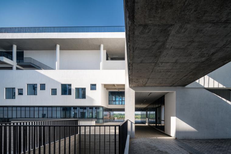 安徽大学艺术与传媒学院美术楼-10