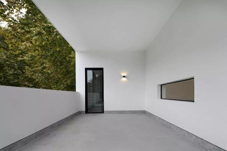 水泥厂改造成民宿,自然简约的设计就是这么美_13