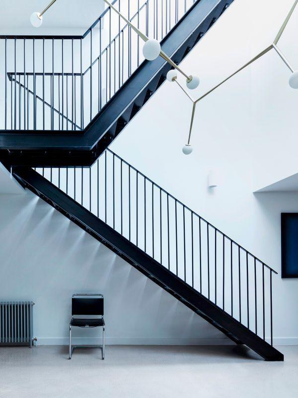 伦敦:服装厂改建的通透住宅_6