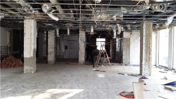[特色餐厅设计]大连粤食粤点餐厅项目设计实景照片震撼来袭-一楼原始照片.jpg