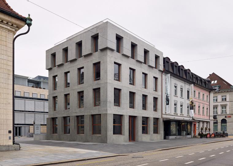 瑞士班霍夫大街商住多功能建筑