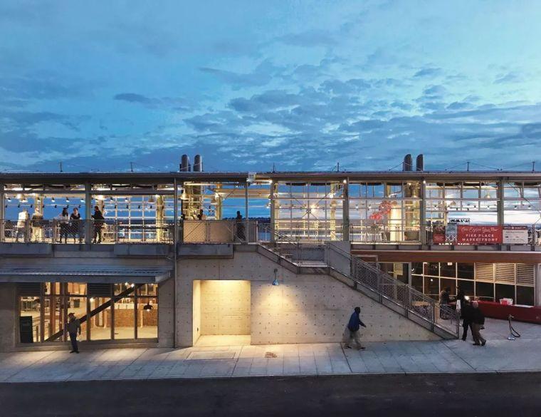 西雅图的地标滨海市场-PikePlaceMarketFront市场/MillerHu