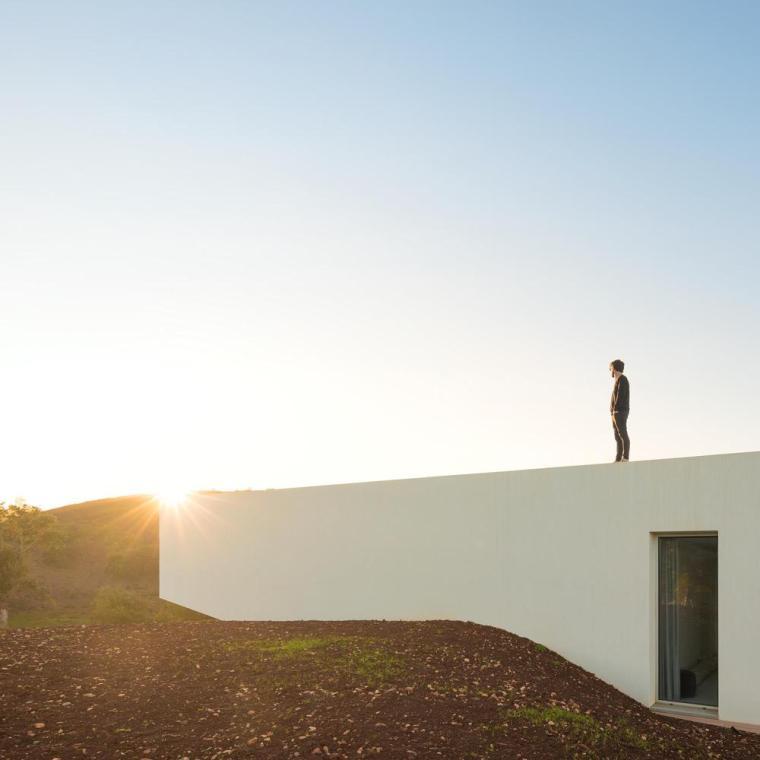 葡萄牙雕塑艺术般写意的住宅-1551071439149486