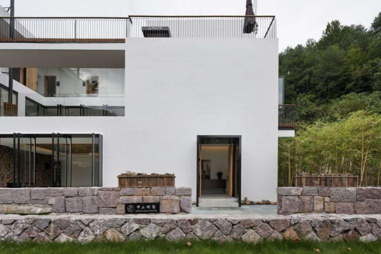 水泥厂改造成民宿,自然简约的设计就是这么美_6