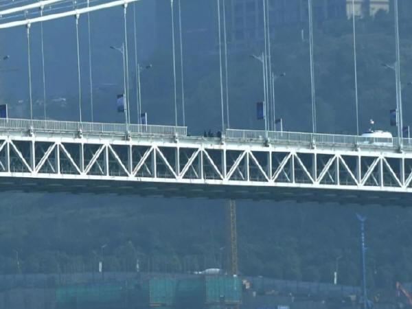 桥梁防撞栏设计规范揭秘,让公交坠桥不再发生!