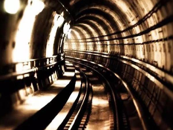 地铁轨道减振设计