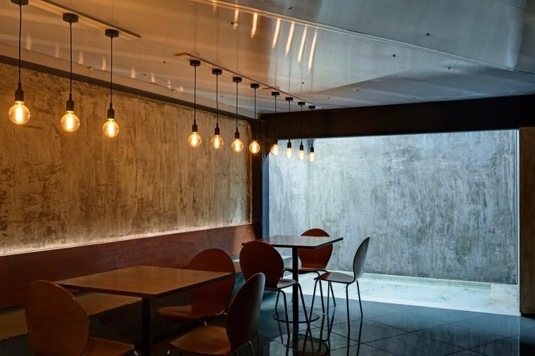仓库改造后的办公室——悬浮于建筑中心的混凝土楼梯-1522677808365628.jpg