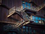 你家与高端住宅之间,就差这样的楼梯