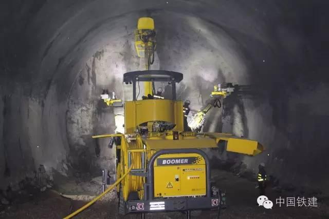 隧道施工的未来:机械化PK人海战术!_3