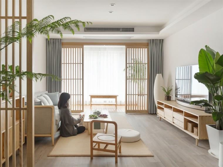 充满原木日式风格的居住空间