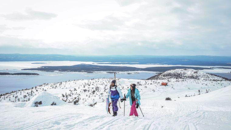 俄罗斯雪地上的DublDom预制观景屋-8