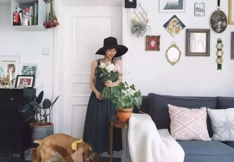 u型步入式衣帽间尺寸资料下载-40平米的豪宅,一个北漂女孩把自己过成了豪门!