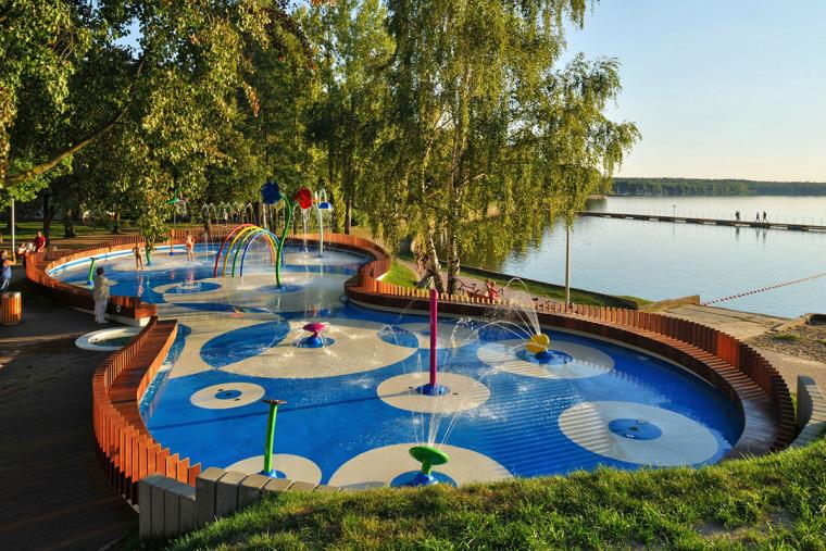 波兰水上儿童游乐场