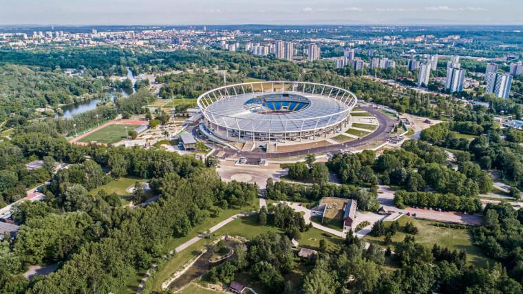 全欧最大的霍茹夫体育场改建