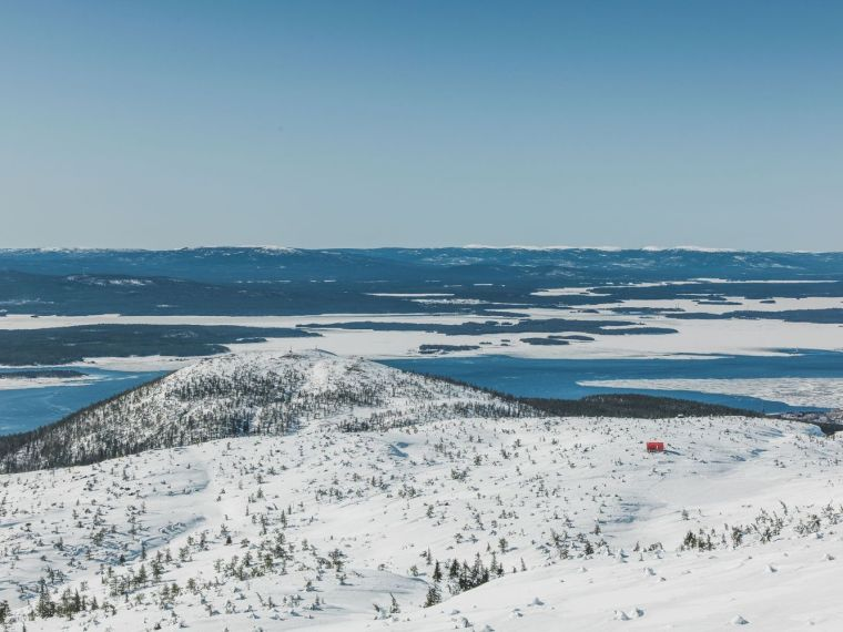 俄罗斯雪地上的DublDom预制观景屋-5