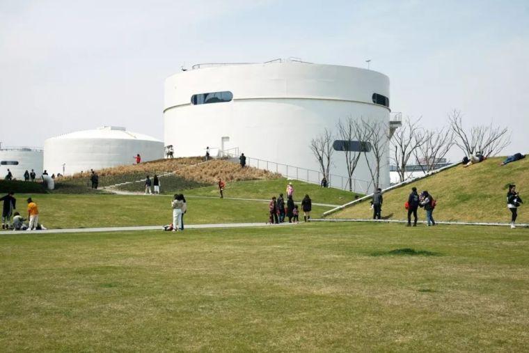 UCCA沙丘美术馆资料下载-[AT]建筑师李虎,打开油罐的人