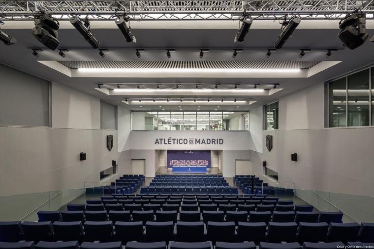 Estadio-futbol-Wanda-Metropolitano-Madrid-España-Europa_Diseño-interior-sala-prensa_Cruz-y-Ortiz_PPE_77